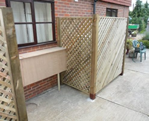 Timber Palisade Garden Fencing