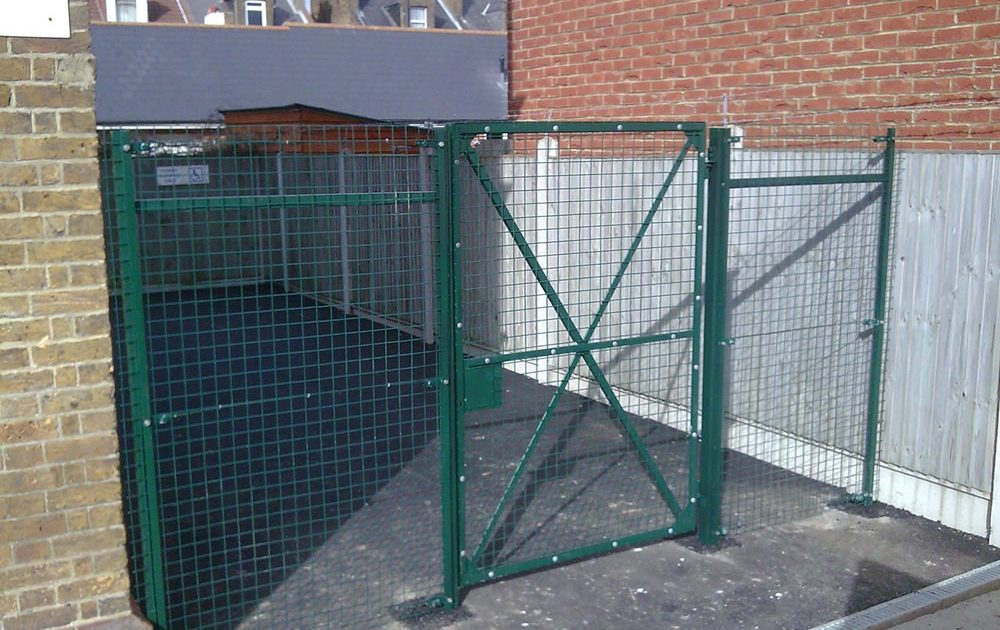 Chainlink and weldmesh gates