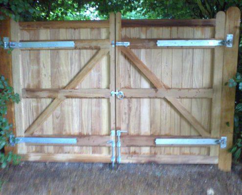Hardwood Gate