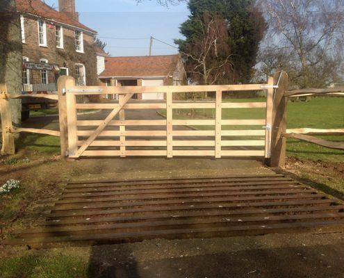 Oak Sussex gate